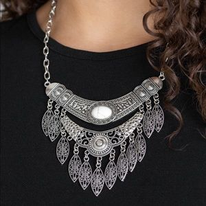 Boho necklace with earrings